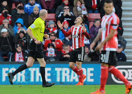 21.11.2015. St Marys Stadium, Southampton, England. Barclays Premier League. Southampton versus Stoke City. Dusan Tadic of Southampton shouts in frustration as his shot goes wide