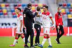 nph00351: Fussball, 1. Bundesliga, Saison 19/20, 26. Spieltag, Fortuna Düsseldorf - FC Paderborn 07, 16.05.2020: Kaan Ayhan (Fortuna Düsseldorf, r.) klatscht ab nach dem Spiel.<br /> <br />  <br /> <br /> Nur für journalistische Zwecke! Only for editorial use!<br /> <br /> Gemäß den Vorgaben der DFL Deutsche Fußball Liga ist es untersagt, in dem Stadion und/oder vom Spiel angefertigte Fotoaufnahmen in Form von Sequenzbildern und/oder videoähnlichen Fotostrecken zu verwerten bzw. verwerten zu lassen. DFL regulations prohibit any use of photographs as image sequences and/or quasi-video. <br /> <br /> Foto: Moritz Müller/Pool / via Meuter/nordphoto