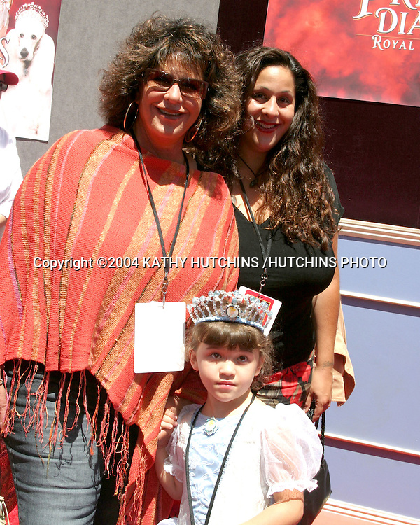 ©2004 KATHY HUTCHINS /HUTCHINS PHOTO.PRICESS DIARIES 2 PREMIERE.DOWNTOWN DISNEY, AMC 30 THEATERS.ANAHEIM, CA.AUGUST 7, 2004..LAINIE KAZAN AND HER DAUGHTER, GRANDDHGTR