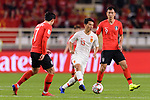 Chi Zhongguo of China (C) fights for the ball with Ji Dongwon (R) and Son Heungmin of South Korea (L) during the AFC Asian Cup UAE 2019 Group C match between South Korea (KOR) and China (CHN)  at Al Nahyan Stadium on 16 January 2019 in Abu Dhabi, United Arab Emirates. Photo by Marcio Rodrigo Machado / Power Sport Images