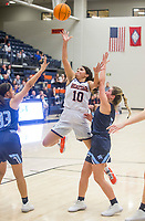 Quiara Jones of Rogers Heritage shoots vs Springdale Har-Ber Friday, Jan. 10, 2020, at War Eagle Arena in Rogers. Go to nwaonline.com/photos to see more photos.<br /> (NWA Democrat-Gazette/Ben Goff)