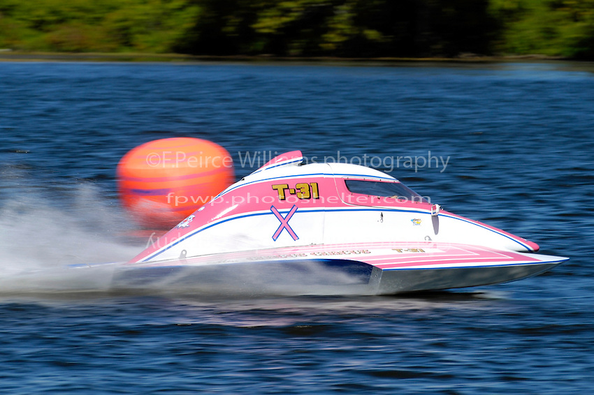 "Becky Wilson, T-31 ""Miss Circus Circus"" (1 Litre Stock hydroplane(s)"