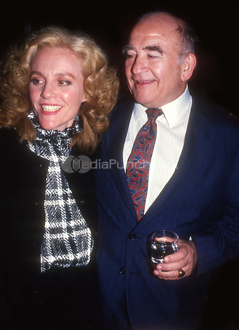 Madeline Khan Ed Asner 1985<br /> Photo By John Barrett/PHOTOlink.net / MediaPunch