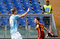 Calcio, Serie A: Lazio vs Roma. Roma, stadio Olimpico, 3 aprile 2016.<br /> Roma's Stephan El Shaarawy, right, celebrates after scoring during the Italian Serie A football match between Lazio and Roma at Rome's Olympic stadium, 3 April 2016.<br /> UPDATE IMAGES PRESS/Riccardo De Luca