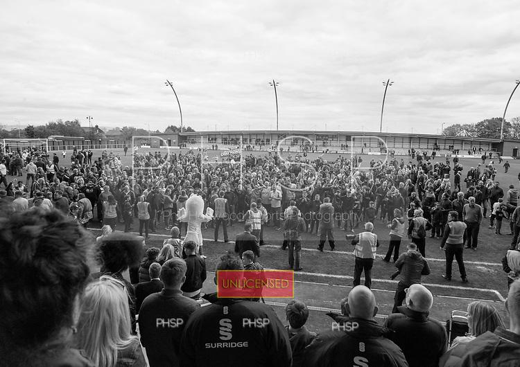 29/04/2017 National League North AFC Fylde v Worcester City<br /> <br /> AFC Fylde supporters celebrate the league title