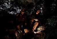 Havana, 01 de Junho de 2011..Estatua de Camilo Cienfuegos e Che Guevara no museu da Revolucao...Estatua del Che Guevara y Camilo Cienfuegos en el Museo de la Revolución...Foto: LEO DRUMOND / NITRO