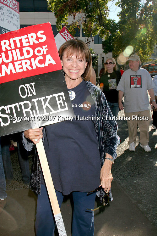 Valerie Harper.Screen Actor's Guild Support the Writer's Guild of America Strike.Outside NBC/Universal Studios Lot.Lankershim Blvd.Los Angeles, CA.November 13, 2007.©2007 Kathy Hutchins / Hutchins Photo...               .
