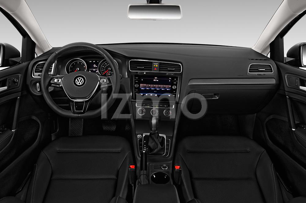 Stock photo of straight dashboard view of a 2018 Volkswagen Golf SportWagen SE 5 Door Wagon