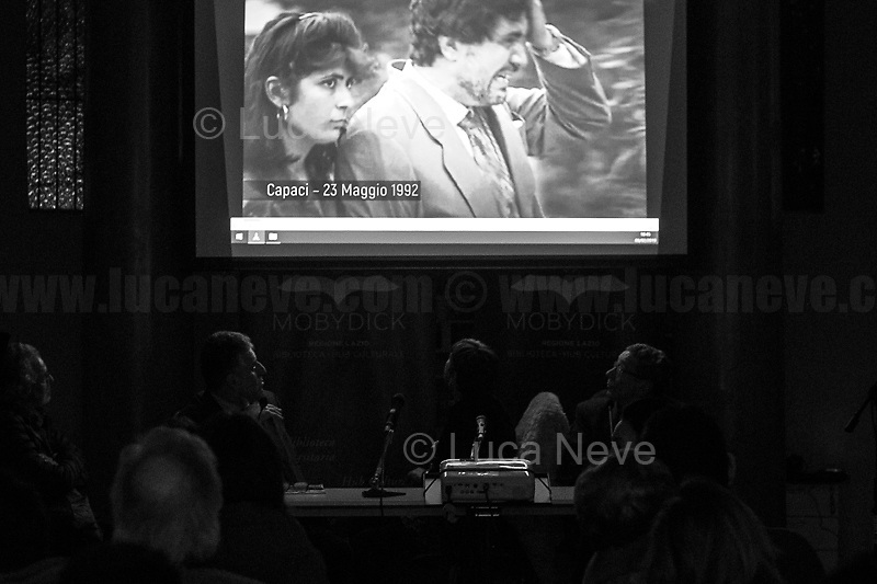 Capaci bombing, Judge Falcone, his wife & three Policemen killed (https://youtu.be/GEnI93fojh8).<br />