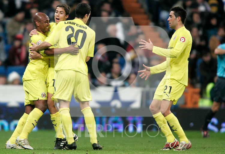 Villareal's Marcos Senna celebrates during La Liga match. February 21, 2010. (ALTERPHOTOS/Alvaro Hernandez).