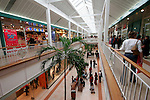 20050519 - France - Dijon<br /> REPORTAGE SUR LA VILLE DE DIJON : CENTRE COMMERCIAL DE LA TOISON D'OR<br /> Ref: DIJON_001-148 - © Philippe Noisette