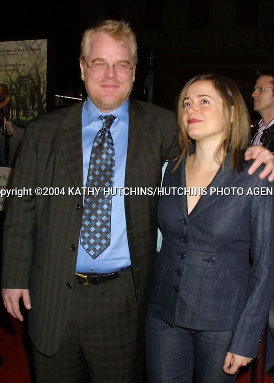 "©2004 KATHY HUTCHINS / HUTCHINS PHOTO.""ALONG CAME POLLY"" PREMIERE.HOLLYWOOD, CA.JANUARY 12, 2004..PHILLIP SEYMOUR HOFFMAN.MIMI"