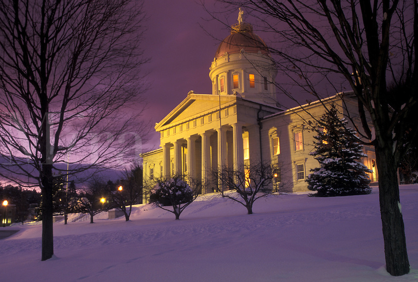 AJ4661, State Capitol, State House, Montpelier, Vermont, winter, The snow covered State House illuminated at night in the capital city of Montpelier in Washington County in the state of Vermont.