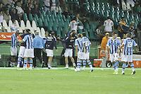 CURITIBA, PR, 22 DE AGOSTO DE 2012 – CORITIBA X GRÊMIO – Jogadores do Grêmio comemoram o gol de Marcelo Moreno (9) durante jogo contra o Coritiba válido pela Copa Sul-Americana. A partida aconteceu na noite de quarta-feira (22), no Estádio Couto Pereira, em Curitiba. (FOTO: ROBERTO DZIURA JR./ BRAZIL PHOTO PRESS)