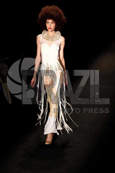 SAO PAULO, 11 DE JUNHO DE 2012. SAO PAULO FASHION WEEK VERAO 2013.  A marca FH por Fause Haten apresenta a coleção verão 2013 durante a  33 edição da São Paulo Fashion Week na Bienal. FOTO: ADRIANA SPACA - BRAZIL PHOTO PRESS