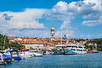 Croatia, Kvarner Gulf, Krk Island, Krk (Town): harbour and Krk Cathedral Bell Tower | Kroatien, Kvarner Bucht, Krk (zusammen mit Cres die groesste Insel in der Adria), Krk (Hauptort der gleichnamigen Insel: Hafen und Glockenturm der Kathedrale (Kirche Mariae Himmelfahrt)
