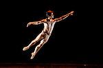 Sul Belvedere di Villa Rufolo<br /> Cubanía en el Ballet <br /> Solisti e stelle del Ballet Nacional di Alicia Alonso, della nuova compagnia cubana di Carlos Acosta e ballerini cubani nel mondo, da Miami a Madrid, da Londra a Roma, tutti formati alla Escuela Nacional de Ballet <br /> A cura di Elisa Guzzo Vaccarino con la collaborazione di Alfio Agostini  <br /> <br /> Produzione Ravello Festival<br /> Prima assoluta <br /> ITALIA/CUBA/AMERICA
