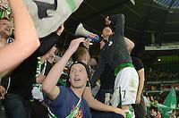 FUSSBALL   1. BUNDESLIGA    SAISON 2012/2013    8. Spieltag   SV Werder Bremen - Borussia Moenchengladbach  07.10.2012 Marko Arnautovic (SV Werder Bremen) jubelt nach dem Abpfiff mit den Fans auf den Zaun der Ostkurve