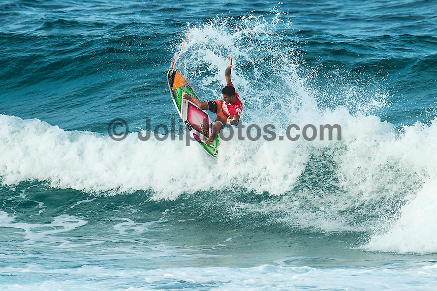 Snapper Rocks, COOLANGATTA, Queensland/Australia (Wednesday, March 11, 2015) Filipe Toledo (BRA). - Competition at the Quiksilver Pro Gold Coast recommenced today after 11 consecutive lay days and ran through Round 2 at Snapper Rocks. The world&rsquo;s best surfers battled through tough conditions to avoid elimination and earn a place in Round 3. Top seeds Mick Fanning (AUS) and Kelly Slater (USA) both advanced but there were some upsets in the Round.<br />  <br /> -  Photo: joliphotos.com