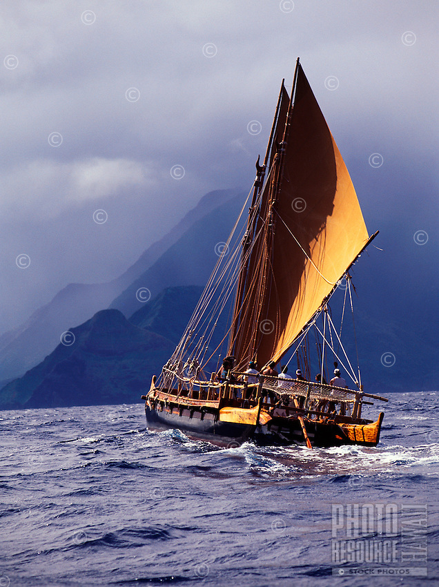 Polynesian voyaging canoe Hawai'iloa, north shore of Moloka'i.