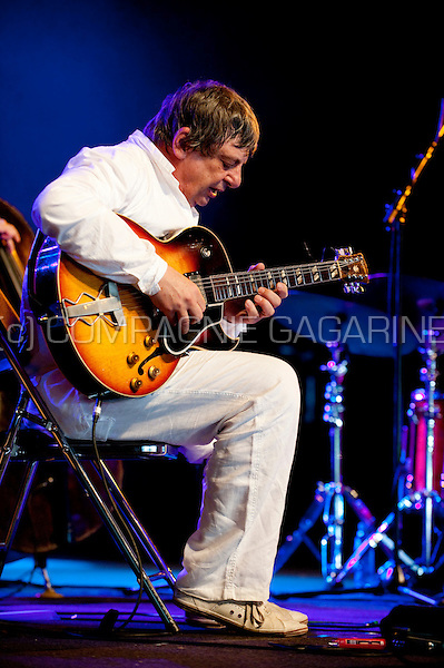 Belgian jazz guitarist Philip Catherine playing the Chet Mood tribute concert with Enrico Rava, Aldo Romano & Riccardo Del Fra at the Jazz Middelheim festival in Antwerp (Belgium, 15/08/2009)