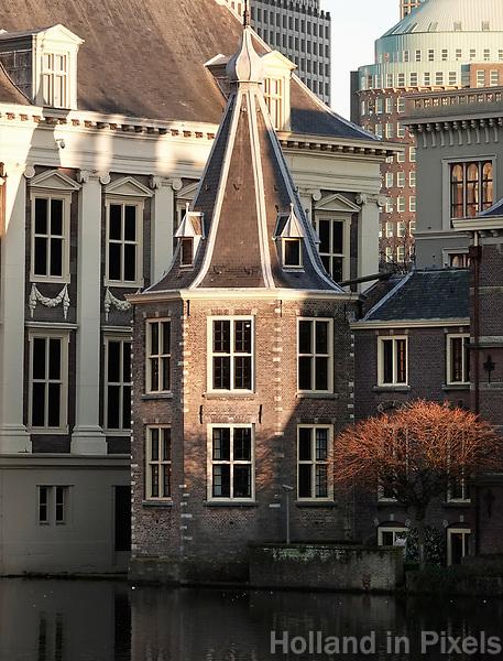 Nederland - Den Haag -  2019.  Regeringsgebouwen en het Torentje van de minister-president aan de Hofvijver. Foto Berlinda van Dam / Hollandse Hoogte