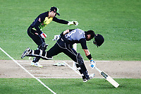 Ross Taylor of New Zealand makes it to his crease to avoid a run out. New Zealand Black Caps v Australia, Final of Trans-Tasman Twenty20 Tri-Series cricket. Eden Park, Auckland, New Zealand. Wednesday 21 February 2018. © Copyright Photo: Anthony Au-Yeung / www.photosport.nz