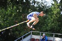 FIERLJEPPEN: IT HEIDENSKIP: 06-07-2016, 1e klasse Fierljeppen, ©foto Martin de Jong