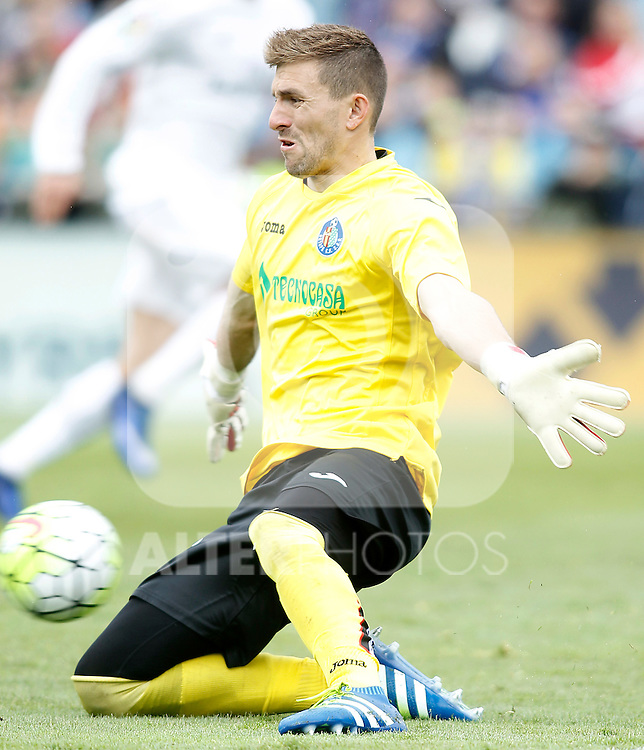 Getafe's Vicente Guaita during La Liga match. April 16,2016. (ALTERPHOTOS/Acero)