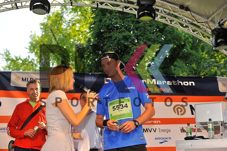 Daniel Hopp auf der Buehne beim MLP Marathon 08.06.2013.<br /> <br /> Foto &copy; Rhein-Neckar-Picture *** Foto ist honorarpflichtig! *** Auf Anfrage in hoeherer Qualitaet/Aufloesung. Belegexemplar erbeten. Veroeffentlichung ausschliesslich f&uuml;r journalistisch-publizistische Zwecke.