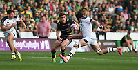 Northampton Saints's Andrew Kellaway and Clermont Auvergne's Arthur Iturria<br /> <br /> Photographer Stephen White/CameraSport<br /> <br /> European Rugby Challenge Cup - Northampton Saints v Clermont Auvergne - Saturday 13th October 2018 - Franklin's Gardens - Northampton<br /> <br /> World Copyright © 2018 CameraSport. All rights reserved. 43 Linden Ave. Countesthorpe. Leicester. England. LE8 5PG - Tel: +44 (0) 116 277 4147 - admin@camerasport.com - www.camerasport.com