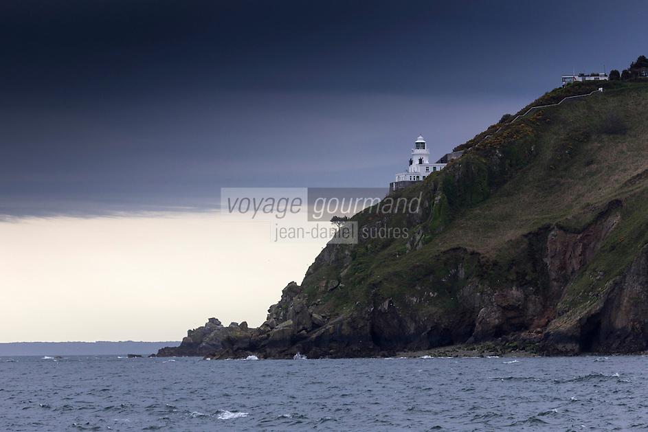 Royaume-Uni, îles Anglo-Normandes, île de Sark (Sercq): Le Phare // United Kingdom, Channel Islands, Sark Island (Sercq):  Maseline harbour and Point Robert lighthouse
