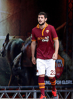 "Calcio: allenamento a porte aperte ""Open Day"" per la presentazione della Roma, a Roma, stadio Olimpico, 21 agosto 2013.<br /> AS Roma forward Mattia Destro attends the club's Open Day training session at Rome's Olympic stadium, 21 August 2013.<br /> UPDATE IMAGES PRESS/Riccardo De Luca"
