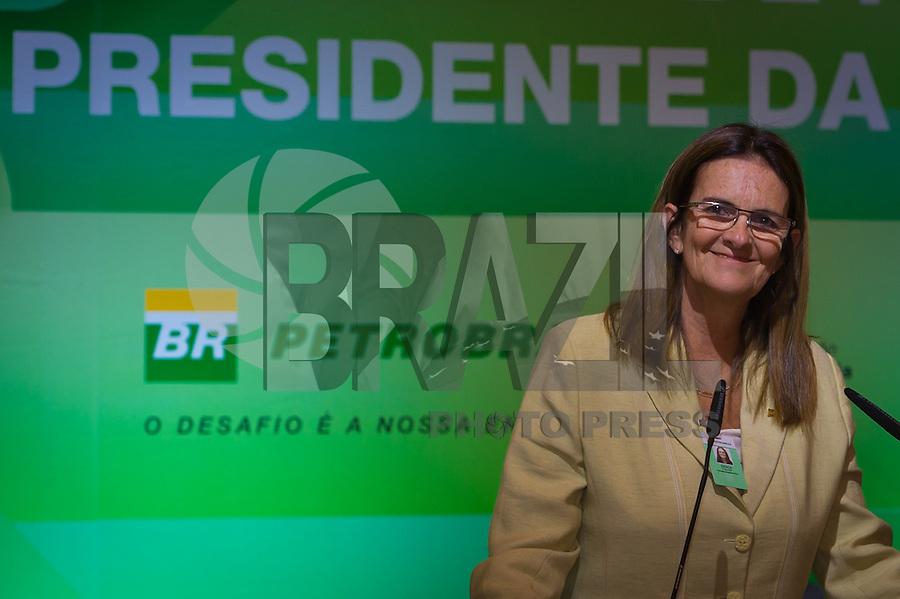 RIO DE JANEIRO, RJ, 13 DE FEVEREIRO DE 2012 - Cerimônia de Posse da nova Presidente da Petrobrás  - A nova Presidente da Petrobras, Graça Foster, na cerimônia de tomada de posse, na sede da Petrobras.<br /> FOTO GLAICON EMRICH - NEWS FREE