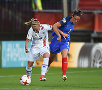 20170718 - TILBURG , NETHERLANDS : French Clarisse Le Bihan (R) and Iceland's Gunnhildur Jonsdottir (L) pictured during the female soccer game between France and Iceland  , the frist game in group C at the Women's Euro 2017 , European Championship in The Netherlands 2017 , Tuesday 18 th June 2017 at Stadion Koning Willem II  in Tilburg , The Netherlands PHOTO SPORTPIX.BE | DIRK VUYLSTEKE
