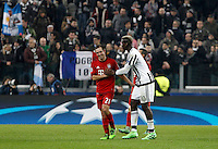 Calcio, andata degli ottavi di finale di Champions League: Juventus vs Bayern Monaco. Torino, Juventus Stadium, 23 febbraio 2016. <br /> Bayern's Philipp Lahm, left, greets Juventus' Paul Pogba at the end of the Champions League round of 16 first leg soccer match between Juventus and Bayern at Turin's Juventus Stadium, 23 February 2016. The game ended 2-2.<br /> UPDATE IMAGES PRESS/Isabella Bonotto