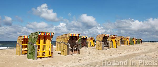 Ouderwetse Rieten Strandstoel.Strandstoelen Bij Egmond Aan Zee Holland In Pixels