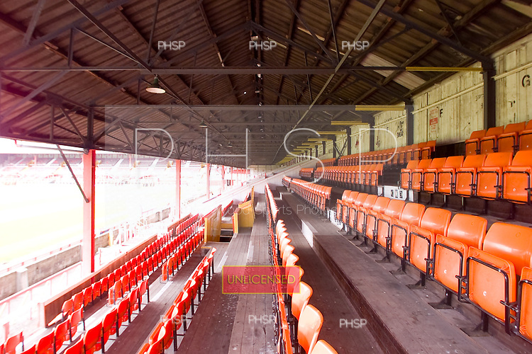 23/06/2000 Blackpool FC Bloomfield Road Ground..West stand internal , view south.....© Phill Heywood.