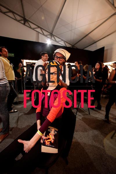 Rio de Janeiro, Brasil - 18/04/2013 - Backstage do desfile de Salinas durante o Fashion Rio  - Verao 2014. Foto: Sergio Caddah/ FOTOSITE