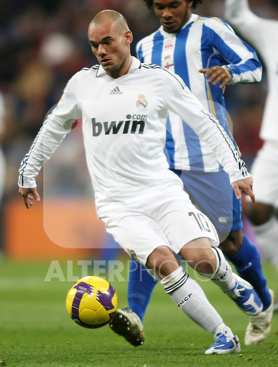 Real Madrid's Wesley Sneijder during La Liga match.January 25 2009. (ALTERPHOTOS/Acero).