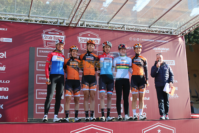 Boels Dolmans at sign on before the Strade Bianche Women Elite 2019 running 133km from Siena to Siena, held over the white gravel roads of Tuscany, Italy. 9th March 2019.<br /> Picture: Seamus Yore | Cyclefile<br /> <br /> <br /> All photos usage must carry mandatory copyright credit (© Cyclefile | Seamus Yore)