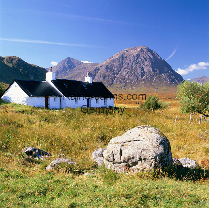 Great Britain, Scotland, Highland Region, Rannoch Moor: Black Rock Cottage | Grossbritannien, Schottland, Highland Region, Rannoch Moor: Black Rock Cottage