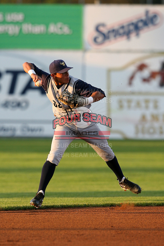 August 31, 2009:  Elevys Gonzalez of the State College Spikes during a game at Frontier Field in Rochester, NY.  State College is the NY-Penn League affiliate of the Pittsburgh Pirates.  Photo By Mike Janes/Four Seam Images
