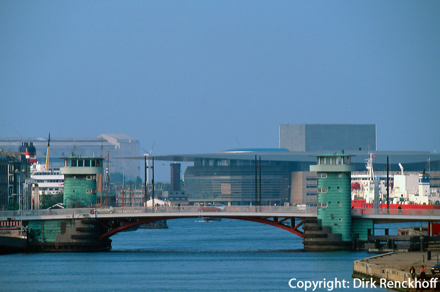 Daenemark, Kopenhagen, Oper und  Brücke Knippelsbro