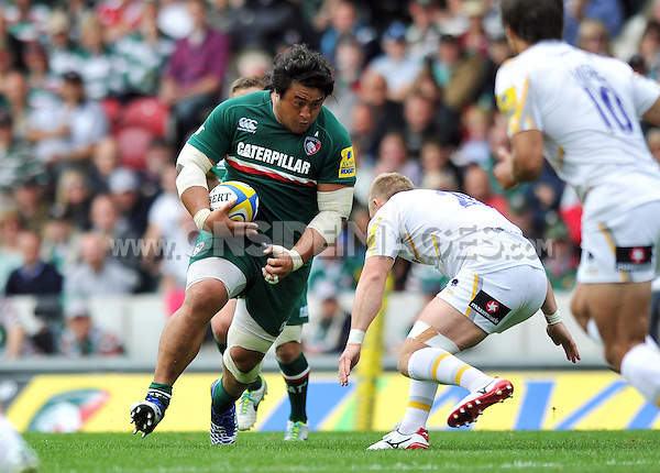 Logovi'i Mulipola goes on the charge. Aviva Premiership match, between Leicester Tigers and Worcester Warriors on September 8, 2013 at Welford Road in Leicester, England. Photo by: Patrick Khachfe / JMP