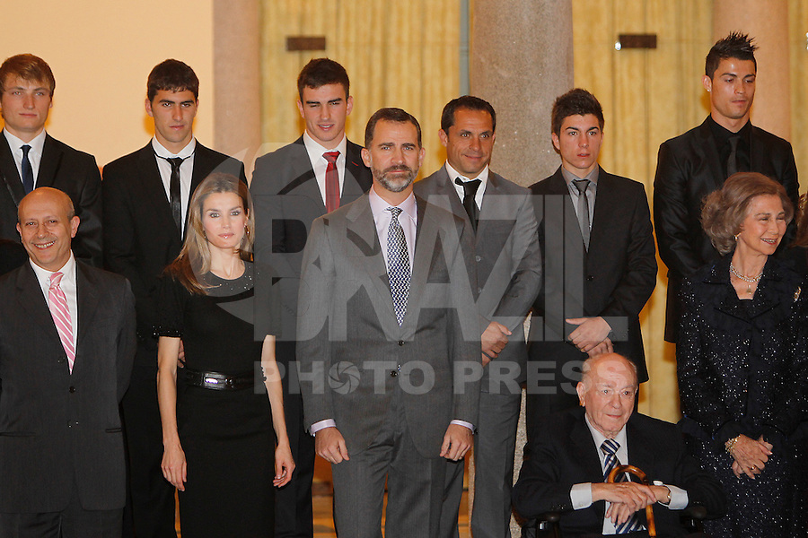 MADRI, ESPANHA, 05 DEZEMBRO 2012 - PREMIACAO MELHORES DO ESPORTE ESPANHOL - A princesa Letizia e o principe Felipe durante cerimonia de entrega do Premio Melhores do Esporte Espanhol, no Palacio El Pardo em Madri, capital da Espanha, nesta quarta-feira, 19. (FOTO: ALEX CID FUENTES / ALFAQUI / BRAZIL PHOTO PRESS).