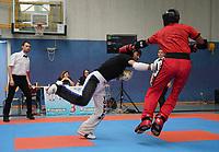 Arifani Rama (roter Anzug, Kampfsportschule Berk) gegen Ali Ari (schwarz, Predator Fight Akademie) - Gräfenhausen 21.09.2019: Kick-Box Meisterschaft bei der SKG Gräfenhausen