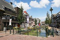 De Turfmarkt in Gouda. De Vrouwebrug.