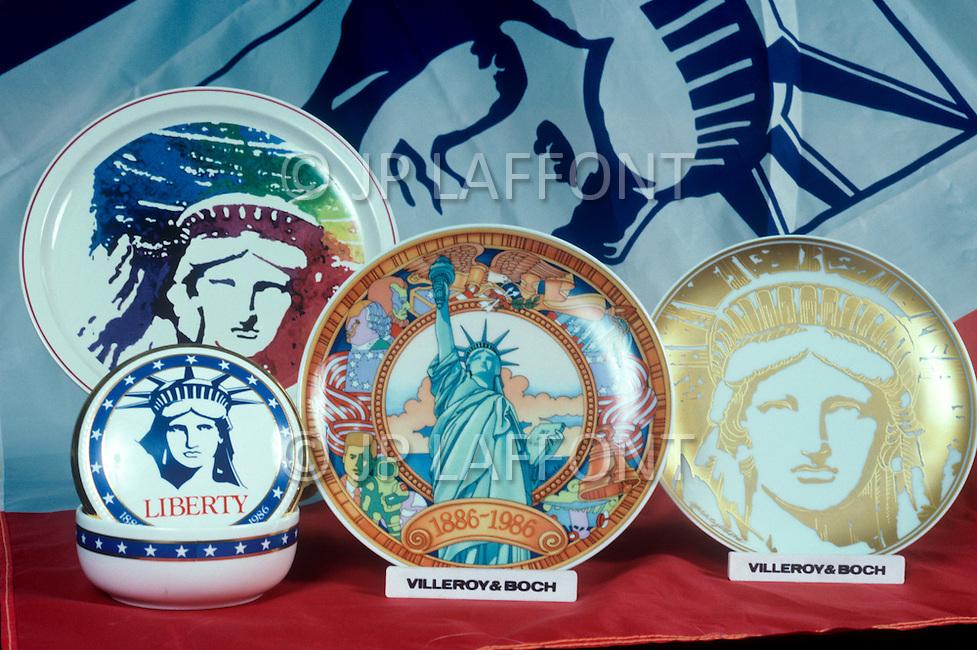 1985-1986, New York City, New York: Statue of Liberty Merchandising.