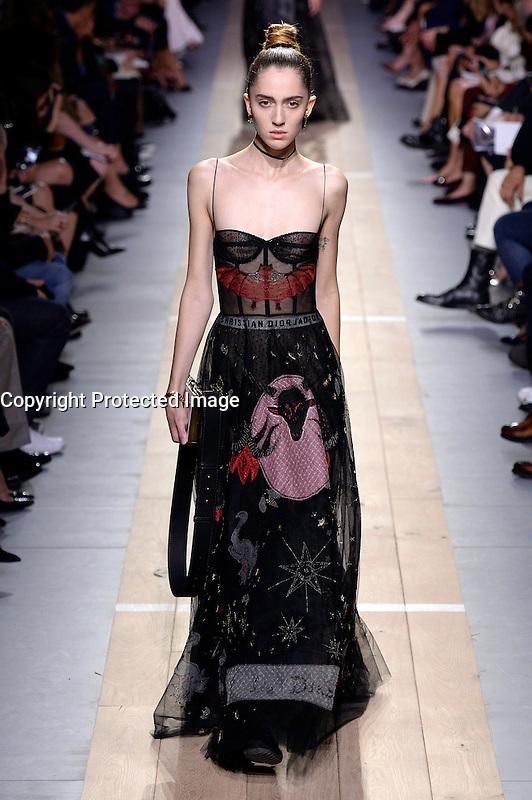 womenswear ready to wear<br /> pr&Iacute;t a porter<br /> summer 2017<br /> Christian Dior